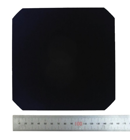 6-inch-size mono-crystalline silicon solar cell with the conversion efficiency of 25.09%